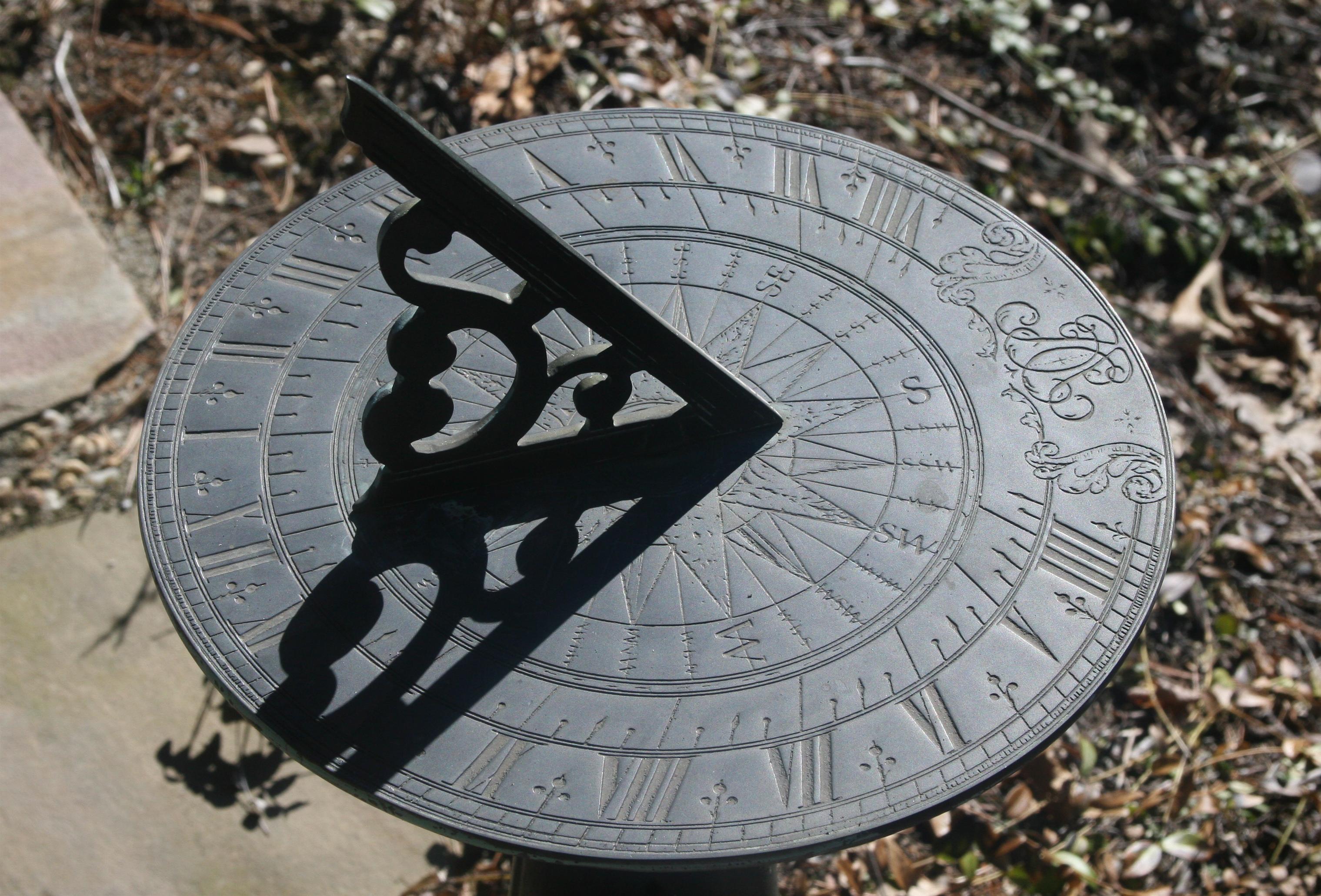 Sundial_2r