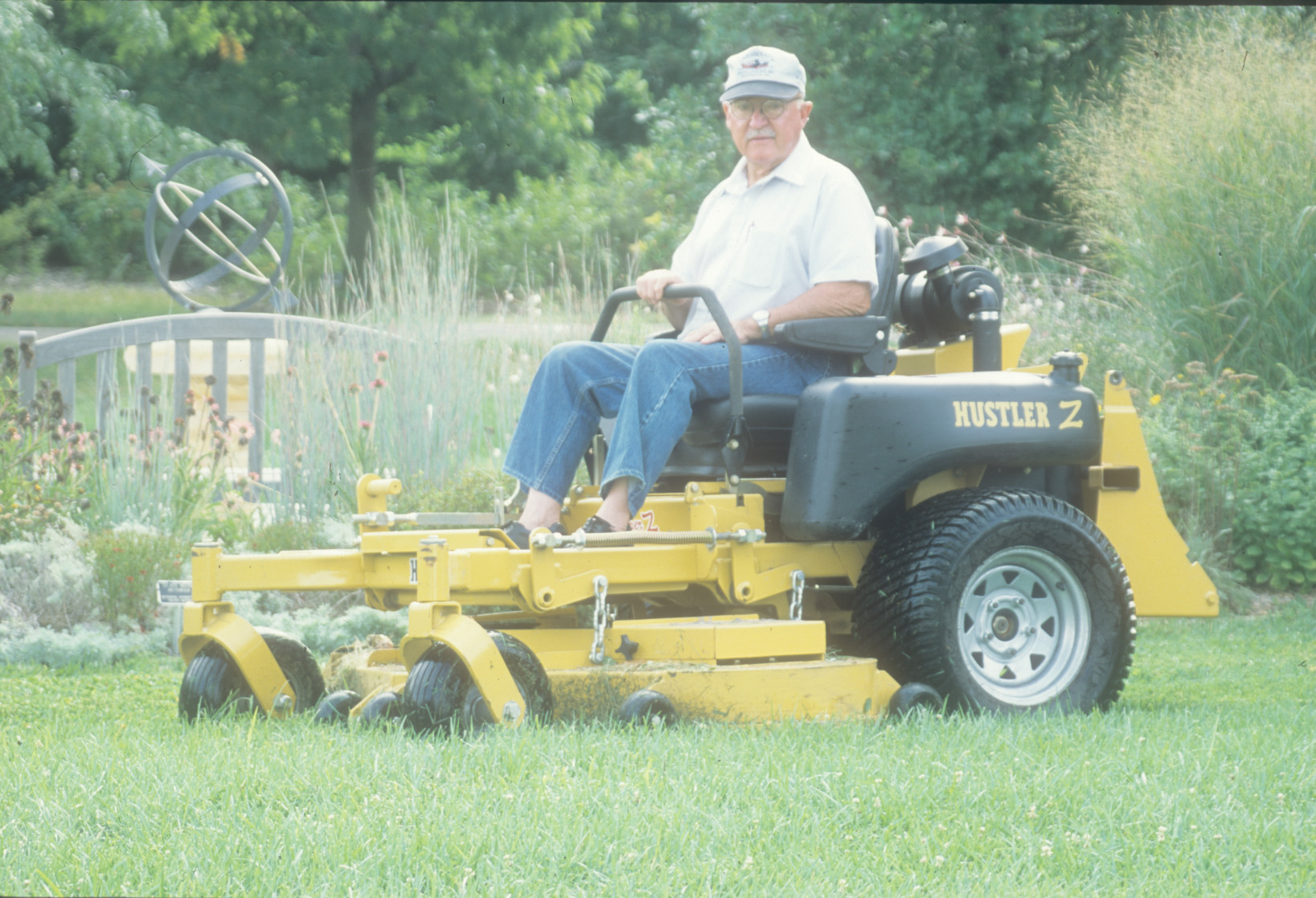 cliffbitikofer-newmower_kk_jul2002